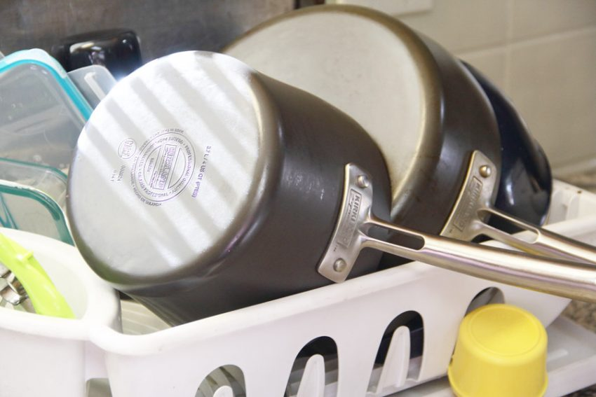 use a dish drainer to save time in the kitchen