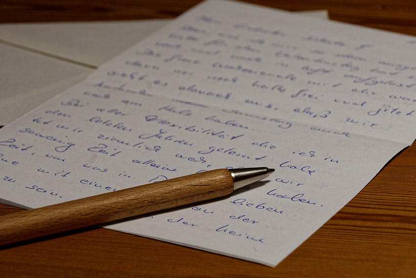 make someone's day with a handwritten letter